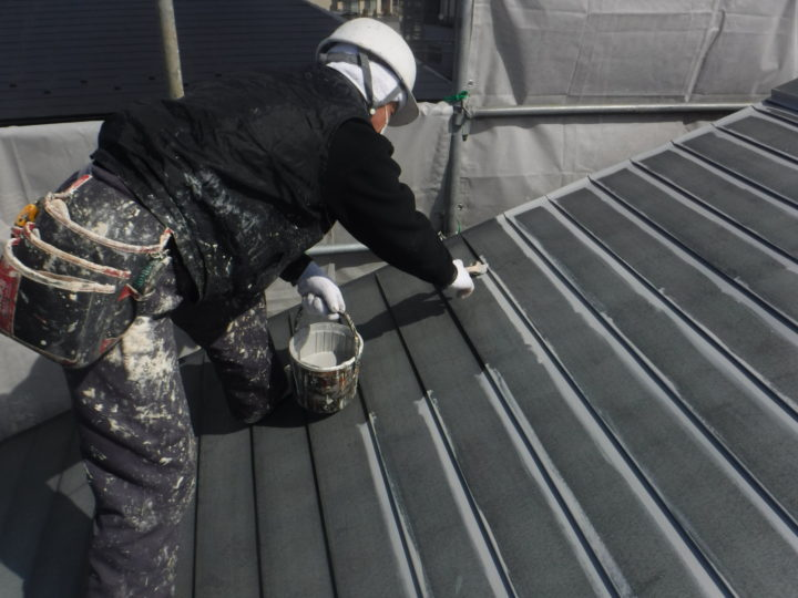 屋根塗装:下塗り