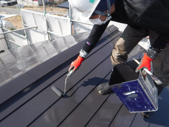 屋根塗装:上塗り(仕上げ)