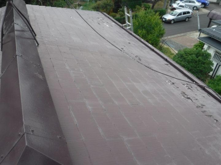 屋根の葺き替えの施工前(塗料の剥がれ)
