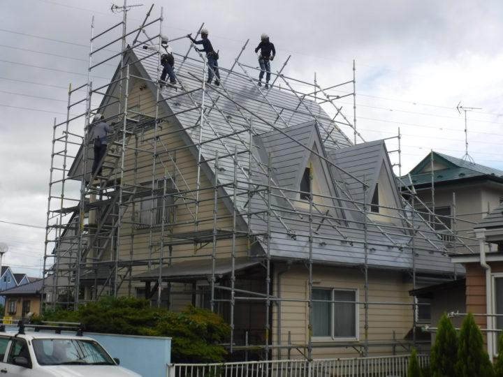 屋根塗装の足場